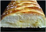 Sladký zašnurovaný chlieb