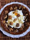 Šťavnatý orechový koláč s mascarpone a medom